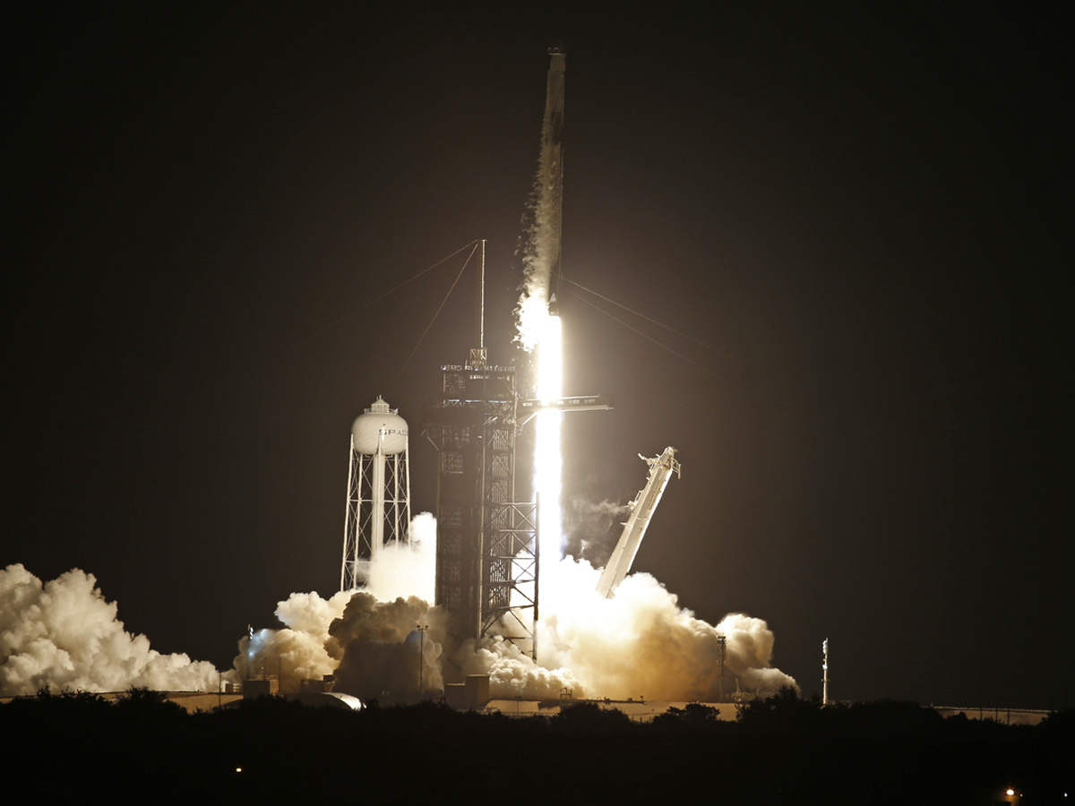 SpaceX пассажирский корабль
