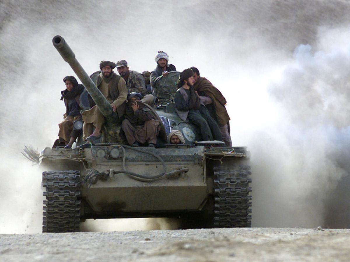 Талибы 150 танков БТР