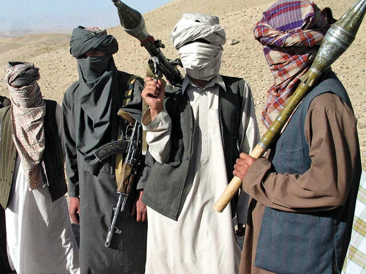 Талибы убили женщину-полицейского на глазах у ее семьи