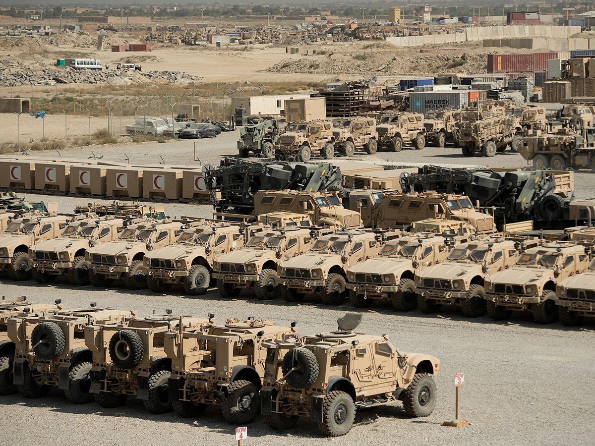 Брошенная США в Афганистане военная техница