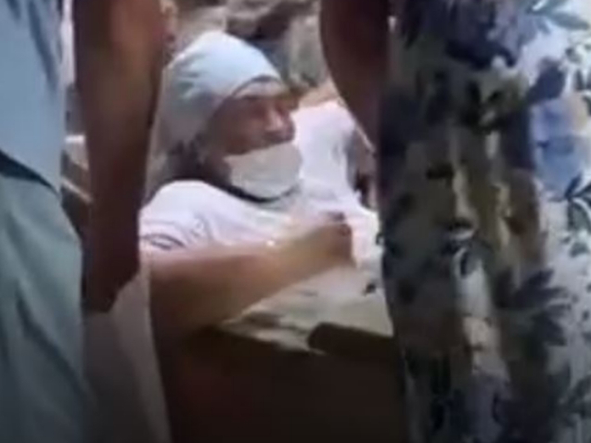Туристка застряла в саркофаге святого Лазаря