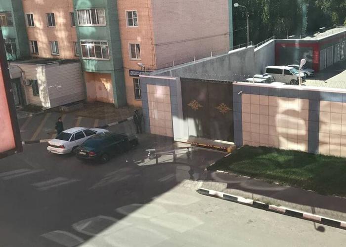 СМИ: напавший на воронежский отдел полиции убил мать и двоих детей (ФОТО)