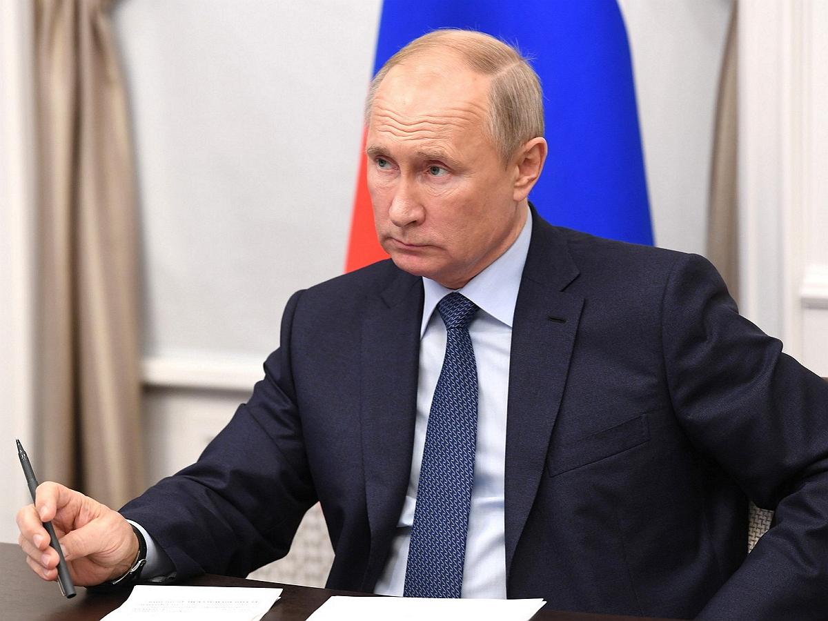 Путин поручил создать новое телешоу за счет госбюджета