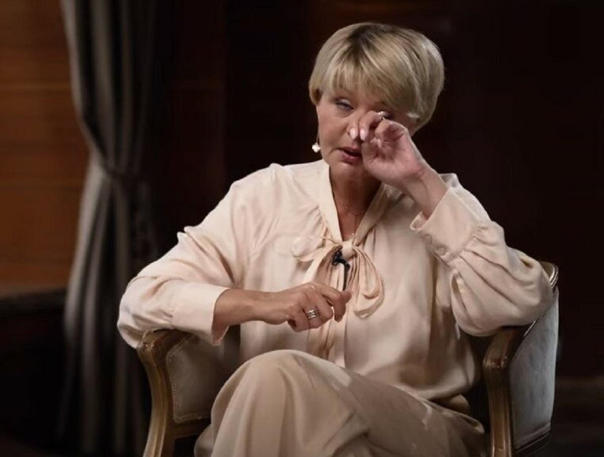 «Это был фильм ужасов»: Юлия Меньшова в слезах вспомнила последнюю встречу с отцом