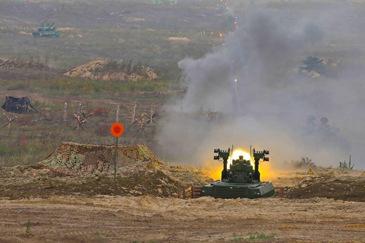 Минобороны РФ на учениях «Запад-2021» испытало боевых роботов «Уран-9» и «Нерехта» (ФОТО, ВИДЕО)