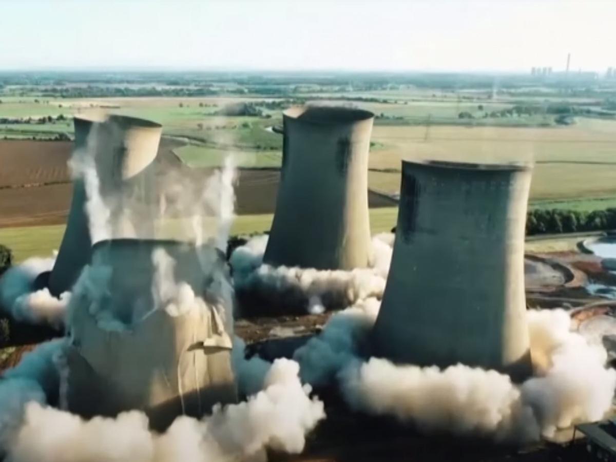 Грандиозный взрыв в одно мгновение разрушил британскую электростанцию
