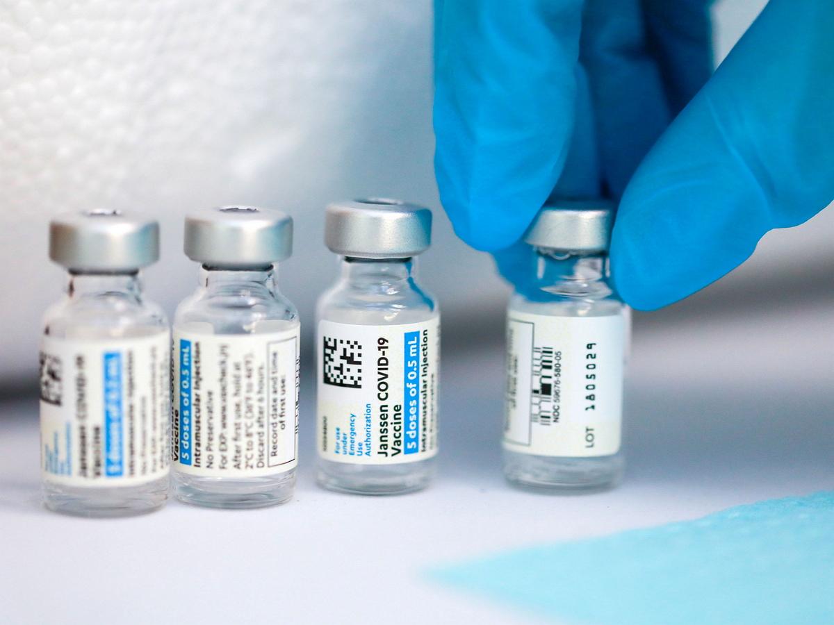 Вакцина J&J от COVID-19 оказалась причиной тяжелых заболеваний
