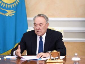 Назарбаев попросил прощения указахов засвои ошибки