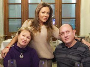 64-летней отец Юлии Началовой госпитализирован с коронавирусом