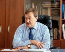 Иркутский главврач посоветовал непривитым от COVID-19 россиянам «помирать дома»