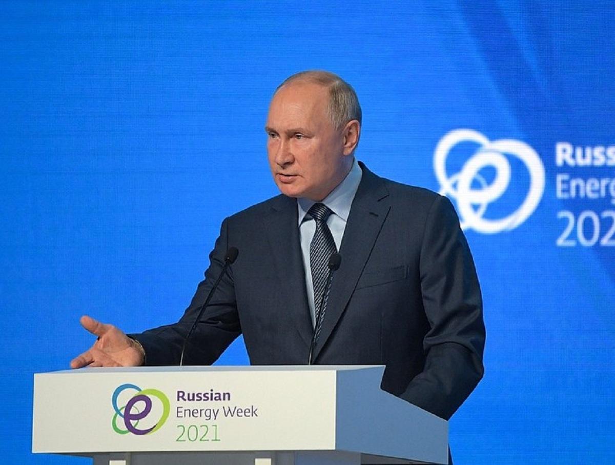 «Далеко не все в тюрьме»: Путин высказался о демократии и оппозиции в России