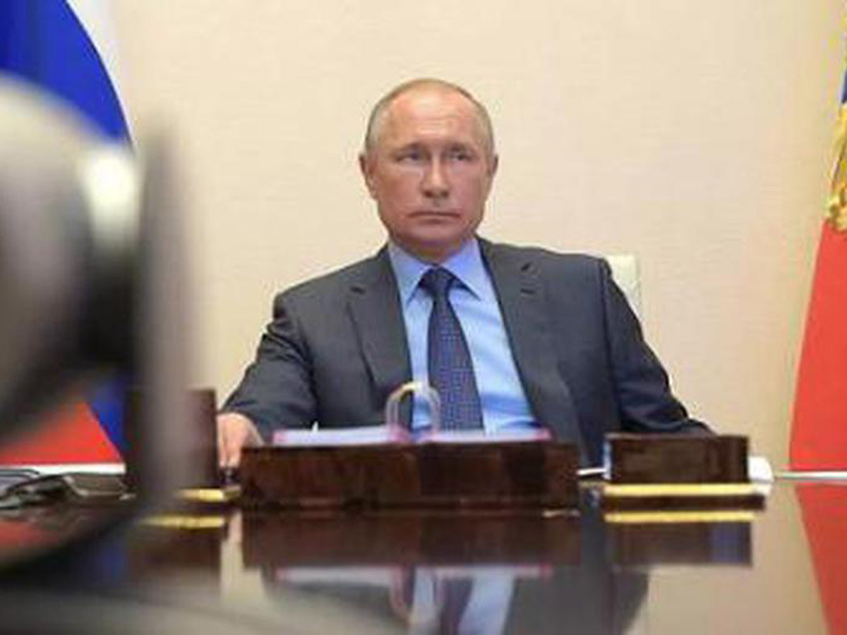 Владимиру Путину 69лет
