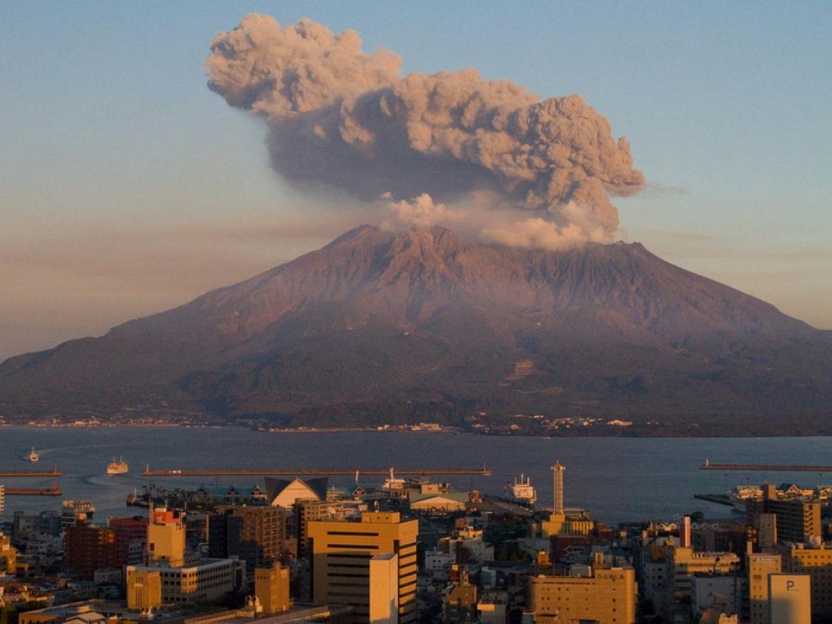 В Японии произошло мощное извержение вулкана Асо