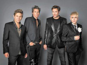 Сама королева Елизавета II поздравила Duran Duran в их новом клипе