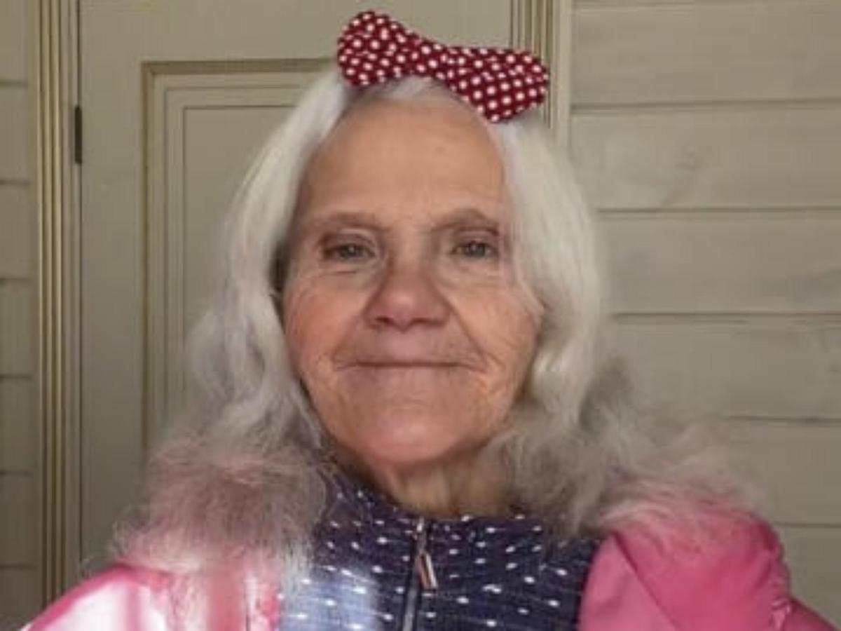 67-летняя пенсионерка покорила TikTok, набрав 2,7 млн подписчиков