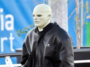 Жуткие маски Канье Уэста напугали его фанатов