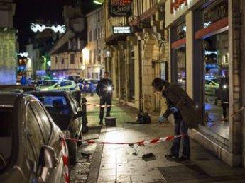 """Во Франции мужчина на машине протаранил толпу прохожих с криками """"Аллах акбар!"""""""