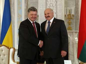 Лукашенко пообещал Порошенко оказать Украине любую помощь