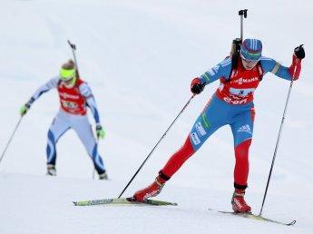 Женский спринт по биатлону состоится сегодня на Кубке мира в Италии