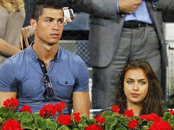 СМИ выяснили причину расставания Криштиану Роналду с Ириной Шейк
