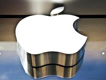 Акции Apple поставили рекорд на бирже  - она стала самой дорогой компанией в мире