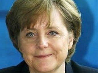 Журнал Spiegel поместил на обложку Меркель в окружении нацистов