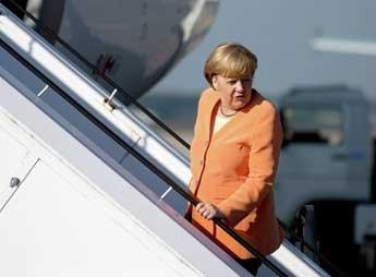 СМИ: Меркель бойкотирует Парад Победы 9 Мая в Москве