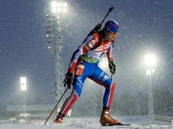 Шипулин взял серебро на масс-старте на этапе Кубка мира по биатлону
