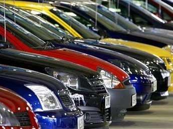 Продажи автомобилей в России рухнули на 40% - до уровня 2009 года