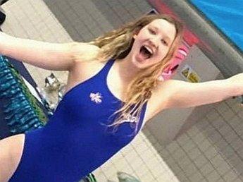 В Британии в результате пожара умерла 18-летняя чемпионка по плаванию