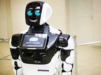В США беспилотник Tesla сбил российского робота: инцидент попал на видео