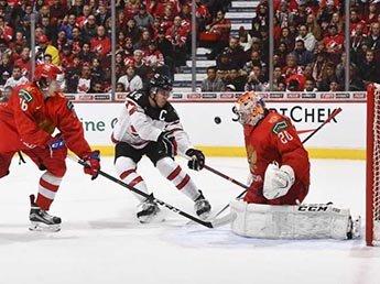 Молодежная сборная России по хоккею в новогоднюю ночь обыграла канадцев