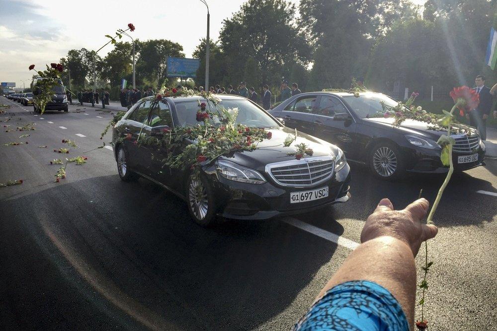 Ваэропорту Ташкента простились сКаримовым