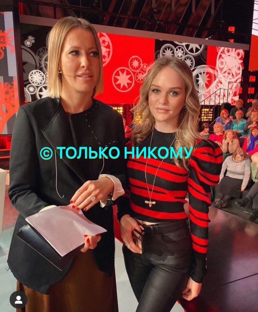 В Сеть утекли фото с нового шоу Собчак на Первом канале - эксперты хотели сбежать с эфира