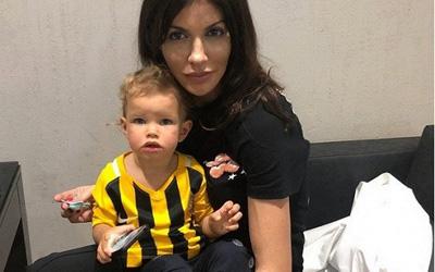 Мать Аршавина выселяет бывшую жену и ребенка футболиста из квартиры
