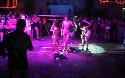 коблево клуб роза ветров секс в позе 69