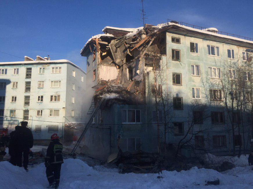 Число погибших при взрыве дома вМурманске выросло до 3-х