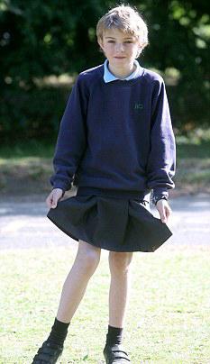фото мальчик в юбке