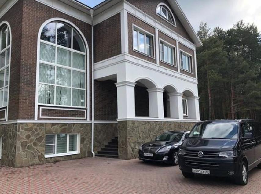 У экс-главы Серпуховского района Подмосковья нашли 565 земельных участков и 22 машины