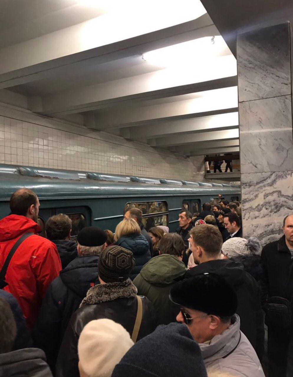 Движение навсех линиях метро введено вграфик после сбоя