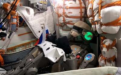 Застрял в пробке: Союз МС-14 с роботом Федором пристыковался к МКС