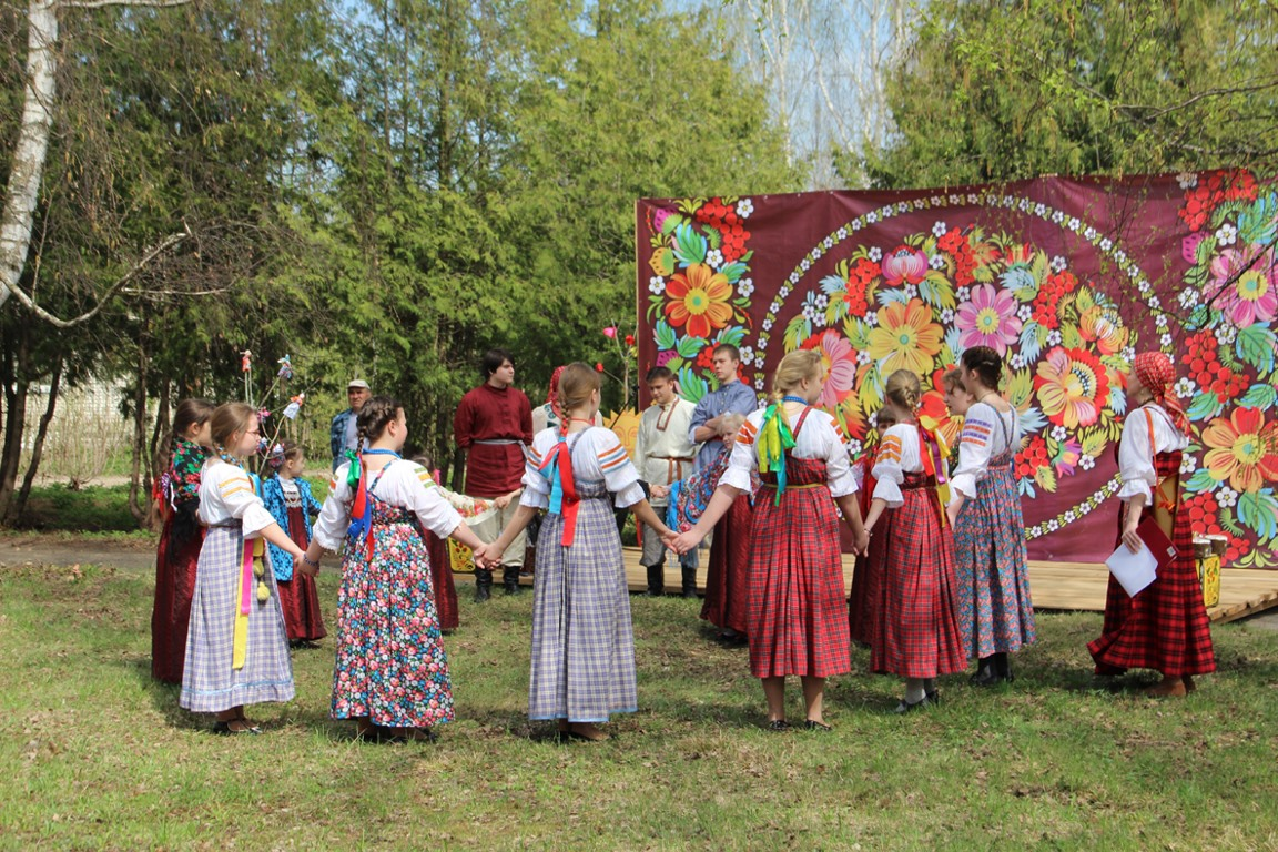 Какой сегодня праздник 5 мая 2019: церковный праздник Красная горка отмечают в России