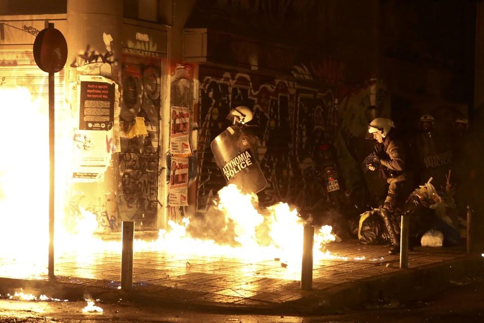 Милиция вАфинах разогнала демонстрацию против визита Обамы