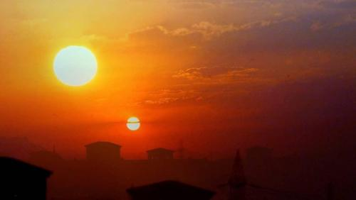 Затмившее Солнце Нибиру отсрочила конец света (ВИДЕО)