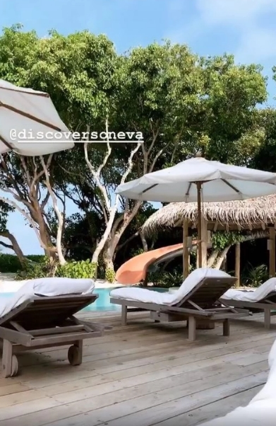 СМИ: Собчак отдыхает на Мальдивах на вилле за 1,5 млн рублей в сутки (ФОТО, ВИДЕО)