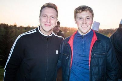 Навальный разругался сВеником из-за самолёта Шувалова