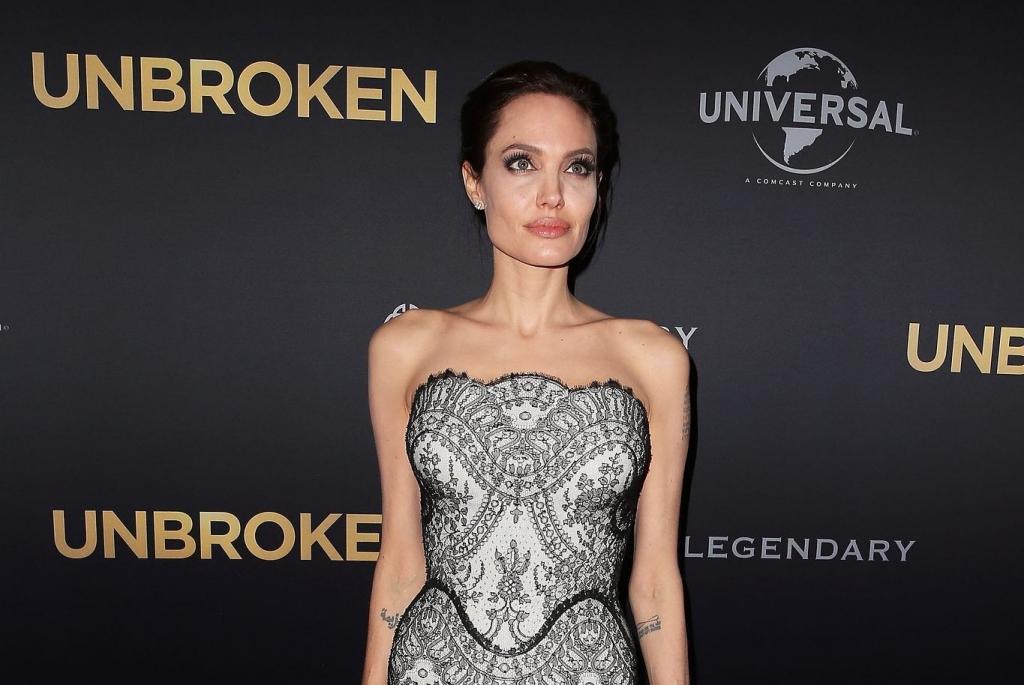 СМИ: Анджелина Джоли похудела до 34 кг (ФОТО)