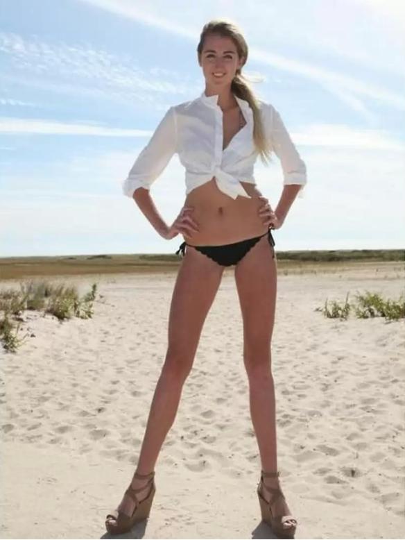 Модели с длинными ногами и без трусов фото 529-609