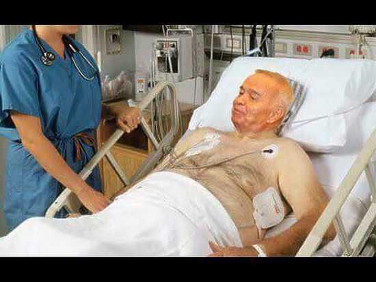 Врачи НИИБурденко вылетели вУзбекистан для лечения Каримова