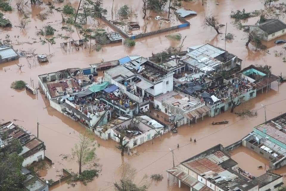 Ужасная катастрофа в Африке унесла тысячи жизней (ФОТО, ВИДЕО)